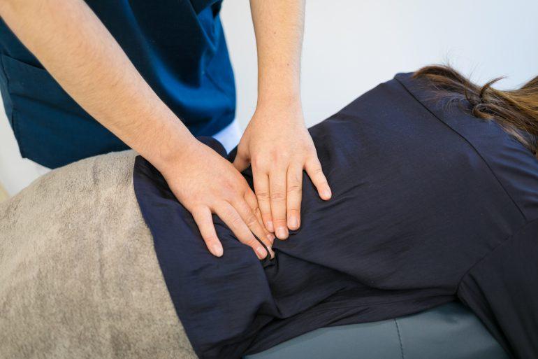腰を楽にする治療方法